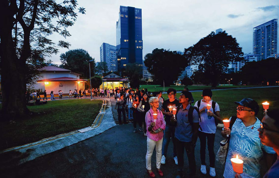 Last HIV candlelight memorial at CDC
